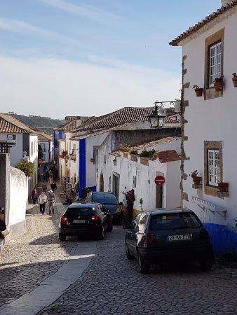 Rua Direita Obidos: Entering the Street