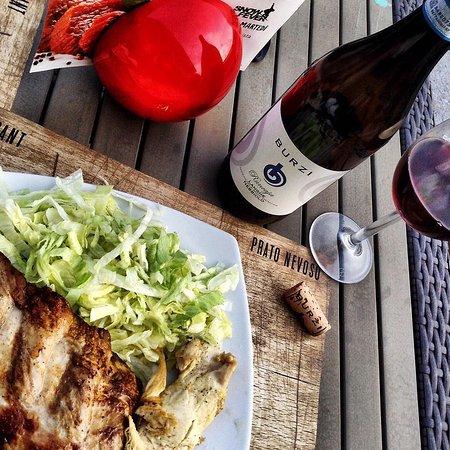 Prato Nevoso, Italie : Insalatina ribs e un buon vino