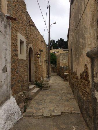 Adele, Yunani: photo4.jpg