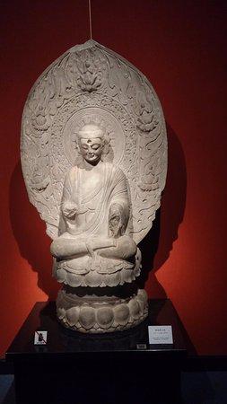 Museo de Shanghai: בודהא בקומת הקרקע