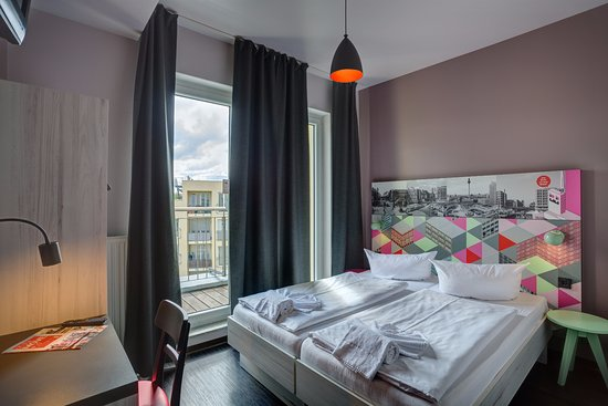 meininger hotel berlin alexanderplatz updated 2018. Black Bedroom Furniture Sets. Home Design Ideas