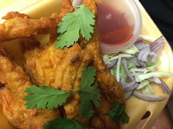Kilkee, Irlanda: Vegie Burger ChickenPakora Starter portion,Chicken Tikka Starter Portion. All starters are serve