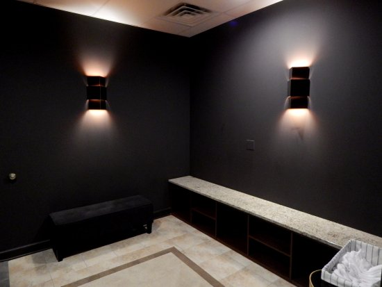 Naperville, IL: Our room to put your socks on and put away your things before your session!