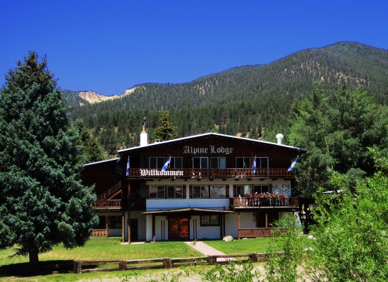 Alpine Lodge & Suites: Main Chalet