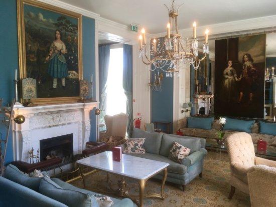 Summer Lodge: Lounge