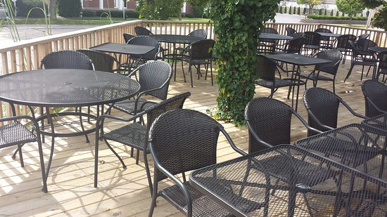 Chesterton, Indiana: Our outside deck