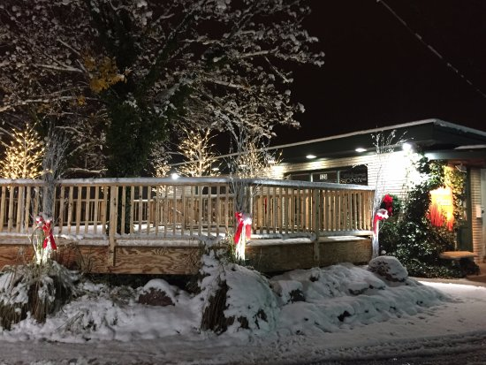 Chesterton, IN: Our deck at Christmas