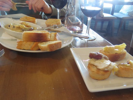 Picante Cafe : A very tasty melted cheese starter