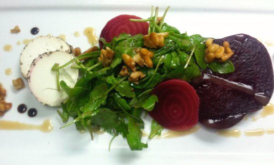 Hackettstown, Νιού Τζέρσεϊ: local beets and goat cheese
