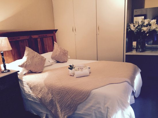 Springs, Südafrika: Our one bedroom in the Garden Cottage, this Room/Suite also has 2 single beds.
