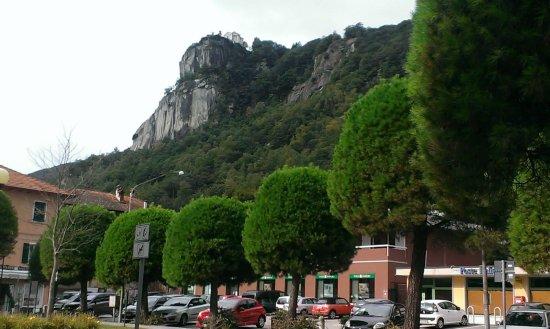 Madonna del Sasso, Italië: Pella