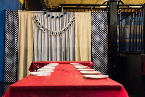 Pineville, NC: Deluxe Party Private Court and Party Area