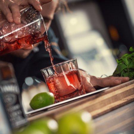 Кальмар, Швеция: Framåt kvällen kan ni även avnjuta en lyxig drink i vår fina bar.