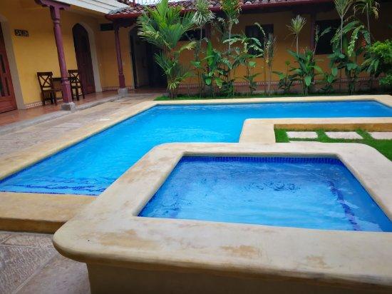 Hotel La Pergola: IMG_20170523_072829_large.jpg