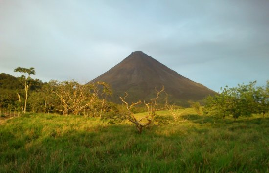 Arenal Volcano (Volcan Arenal) Photo