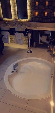 Johnstone, UK: Snapchat-2095645551_large.jpg