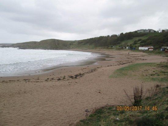 Coldingham, UK: wide long beach