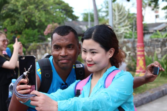 Taking Selfie with a Chinese tourist at Hua Hin Railway Station