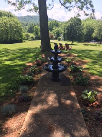 Lovingston, VA: Our fountain is up, new flowers are planted, the Adirondack chairs await!