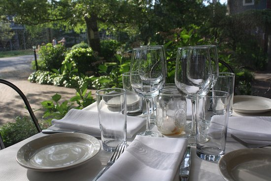 Cape May Point, NJ: Romantic dinners on our outside patio