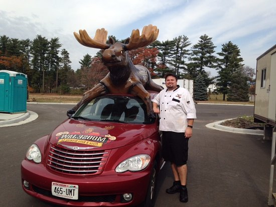 Moosejaw Pizza & Dells Brewing Co.: The delivery vehicles are super adorable