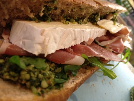 CocoRico: great selections os sandwiches