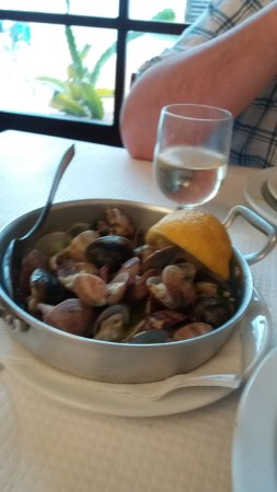 Estombar, Portugal: Clams