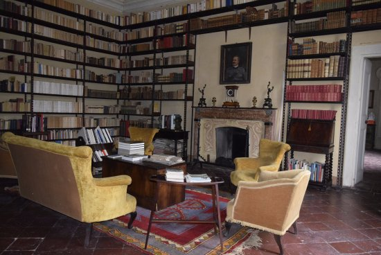 Casteldidone, Italie : Biblioteca 11000 volumi