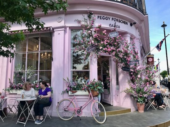 Peggy Porschen Cafe The-front-is-beautiful