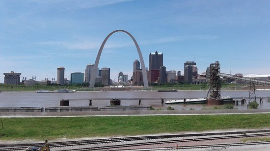 East Saint Louis, IL: St Louis Gateway Arch
