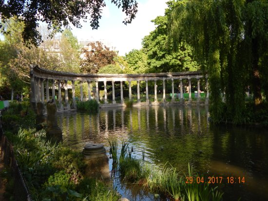 Photo of Park Parc Monceau at 35 Boulevard De Courcelles, Paris 75008, France