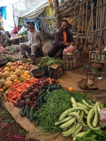 4X4 Camel - Private Day Tours : Berber market