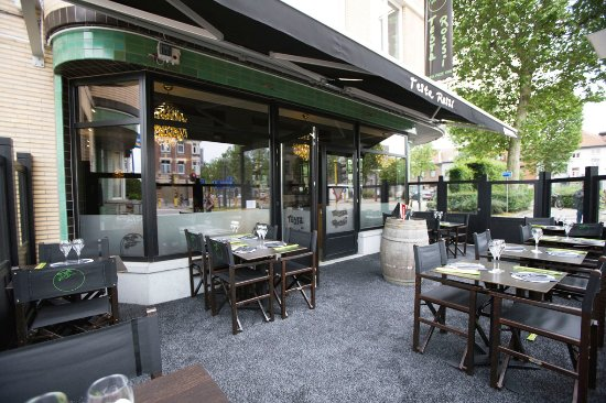 Testa Rossi Vilvoorde from the outside: our terrace