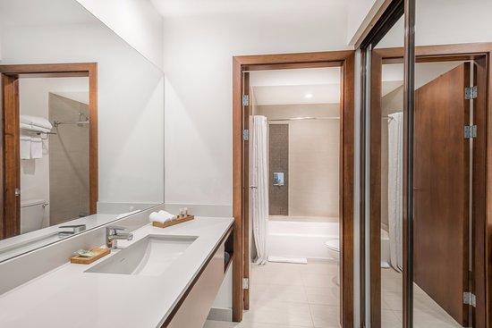 Wyndham Garden San Jose Escazu: Bathroom