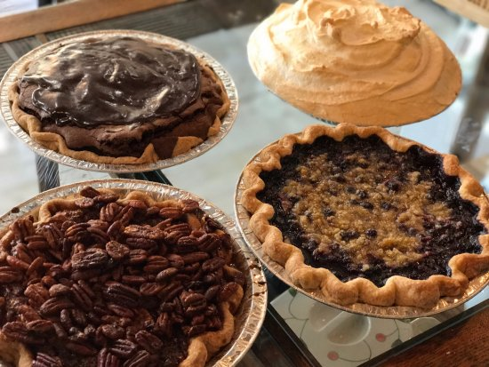 Arden, Kuzey Carolina: Decisions Decisions - Baked Pie Company