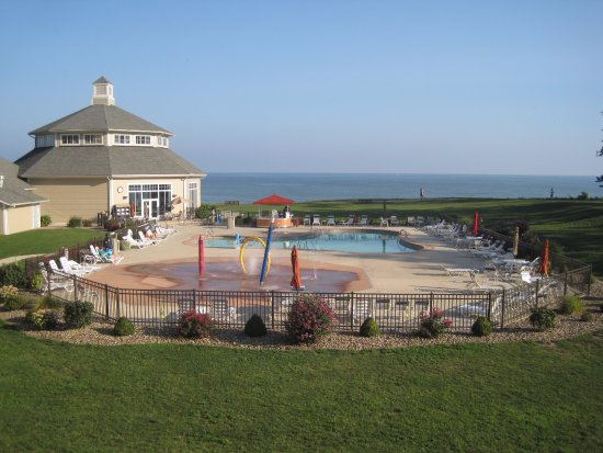 Geneva on the Lake, OH: Indoor and Outdoor pool on the shores of Lake Erie