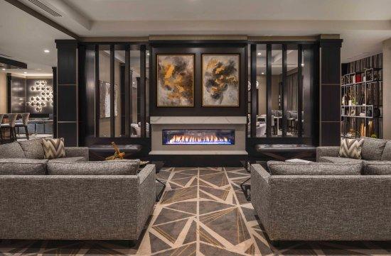 Bridgewater, NJ: Lobby Seating Area