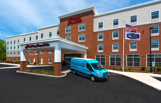 Bridgewater, NJ: Exterior and Hotel Shuttle