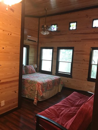 Monroe, NC: Horsefeathers Hideaway overnight stay