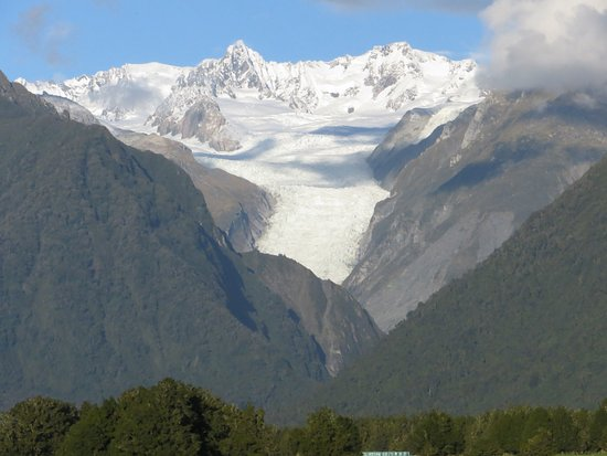 Misty Peaks: View of Fox Glacier taken further north on the B&B road
