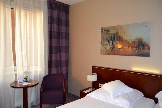 Kossak Hotel: Hoellrom