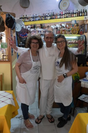 Trattoria Familiare da Michele & Jolanda : A lovely experience - great home cooking with local Sicilian ingredients. Michele very entertain
