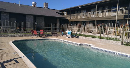Bandera Lodge : Our outdoor pool area is a great place to unwind and relax after a wonderful day in the hill cou