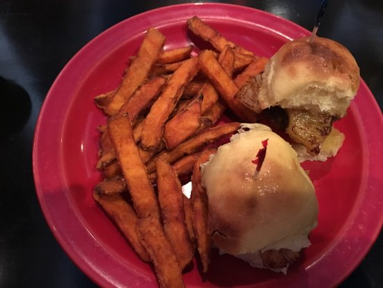 The Villages, FL: Bill's Classics Burger Sliders with Sweet Potato Fries