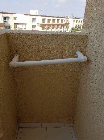 Houda Yasmine Hammamet: Porte serviette balcon