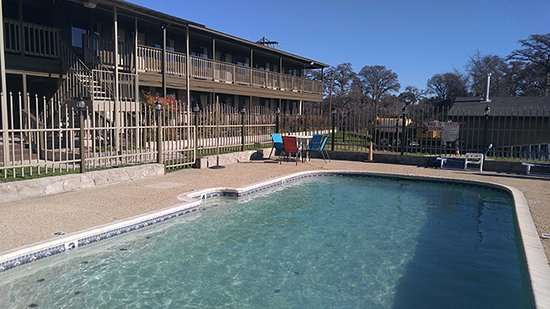 Bandera Lodge : Relax and enjoy scenic views from our outdoor pool area.
