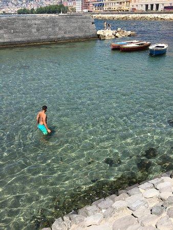 """Castel dell'Ovo : the """"pool"""""""