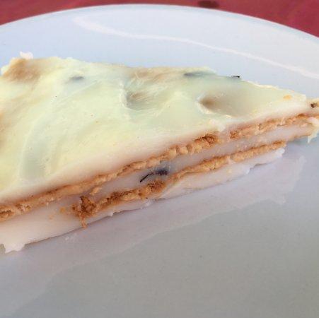 Tusa, Italien: Bianco mangiare, torta semplice alla crema di latte