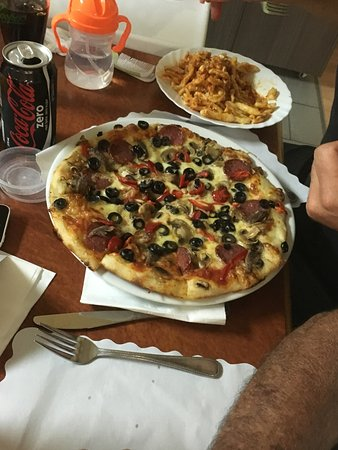 Norwood, Australien: Pizza from Brunellis Cafe