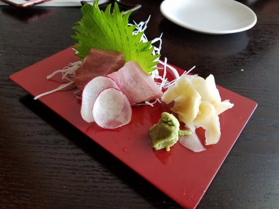 Bloomfield, NJ: Toro sashimi serving